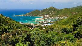 SECRET ISLAND. This is Road Town, capital of the British Virgin Islands, where the company that owns the brands Sapolio and Dento, and which is a subsidiary of Alicorp, is registered.