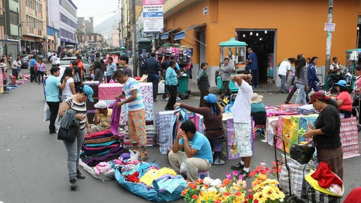 Estado de Emergencia por Covid-19 expone la informalidad del sector laboral en el Perú | Ojo Público